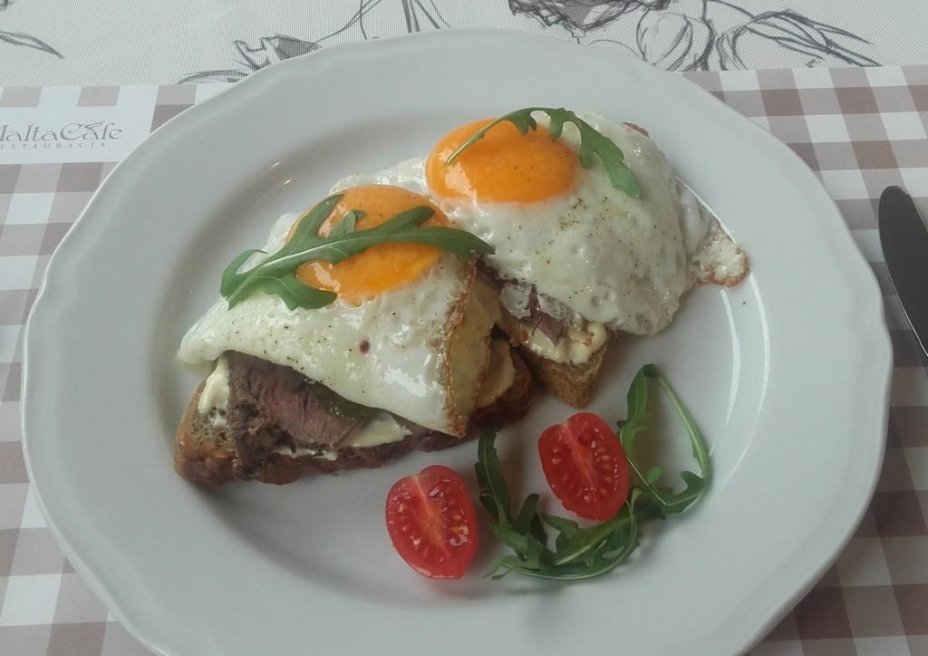jajka z rostbefem 22