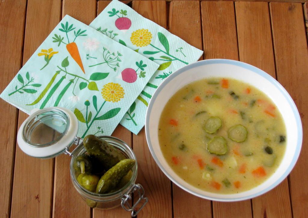zupa-z-ogorkow-konserwowych