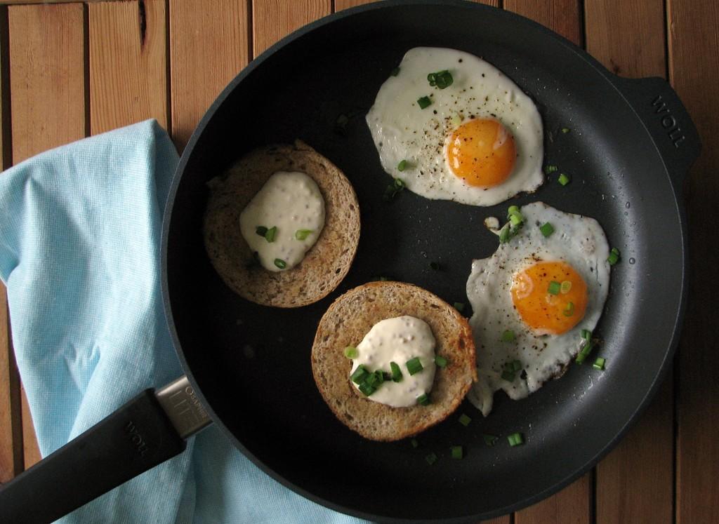 jajka sadzone na patelni tytanowej Woll