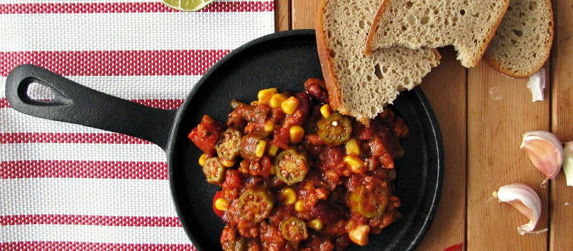 chili sin carne z okrą