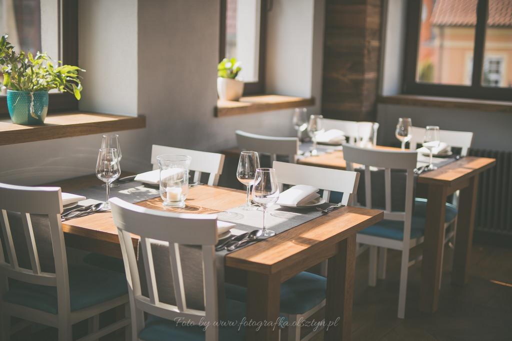 Widok na stoliki w Restauracji Lago