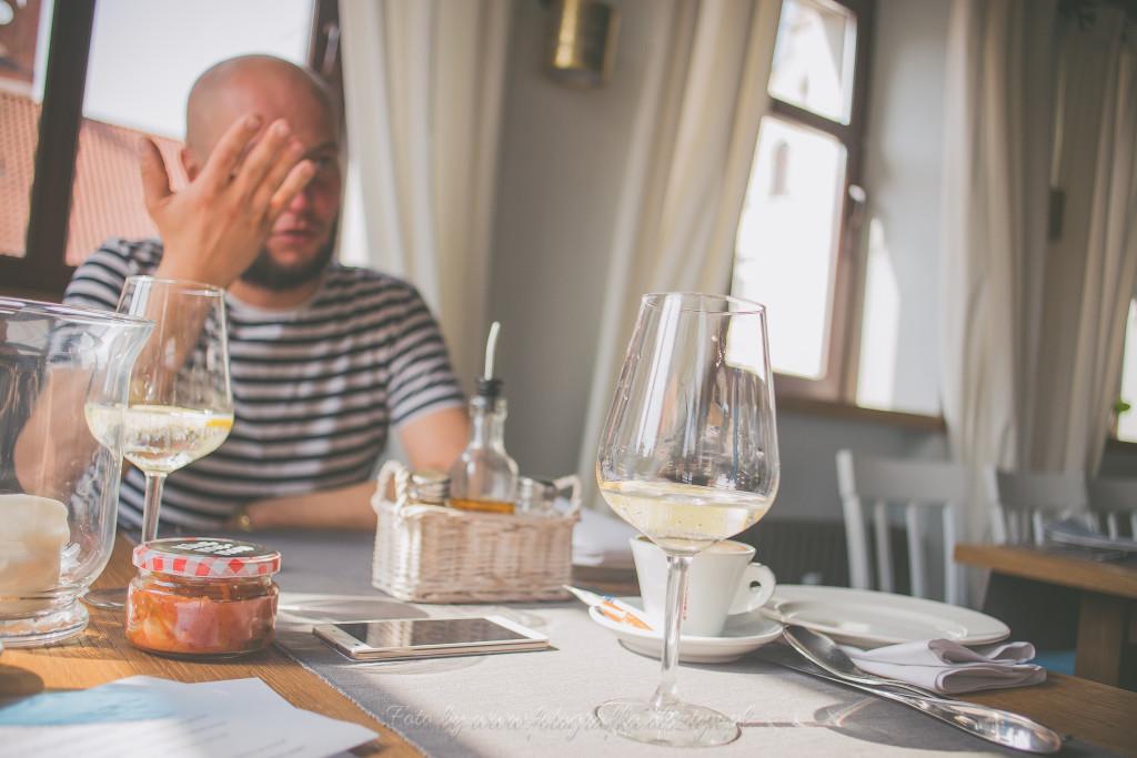 Jarek Poliwko przy śniadaniu opowiada
