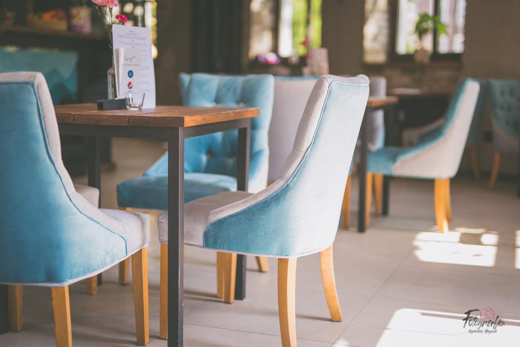 stolik z krzesłami w Lago